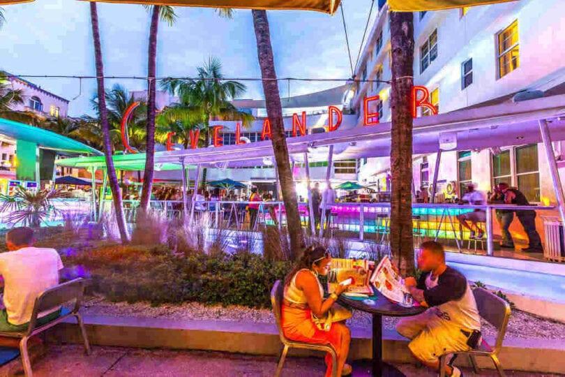Miami Nightlife - Unpakt
