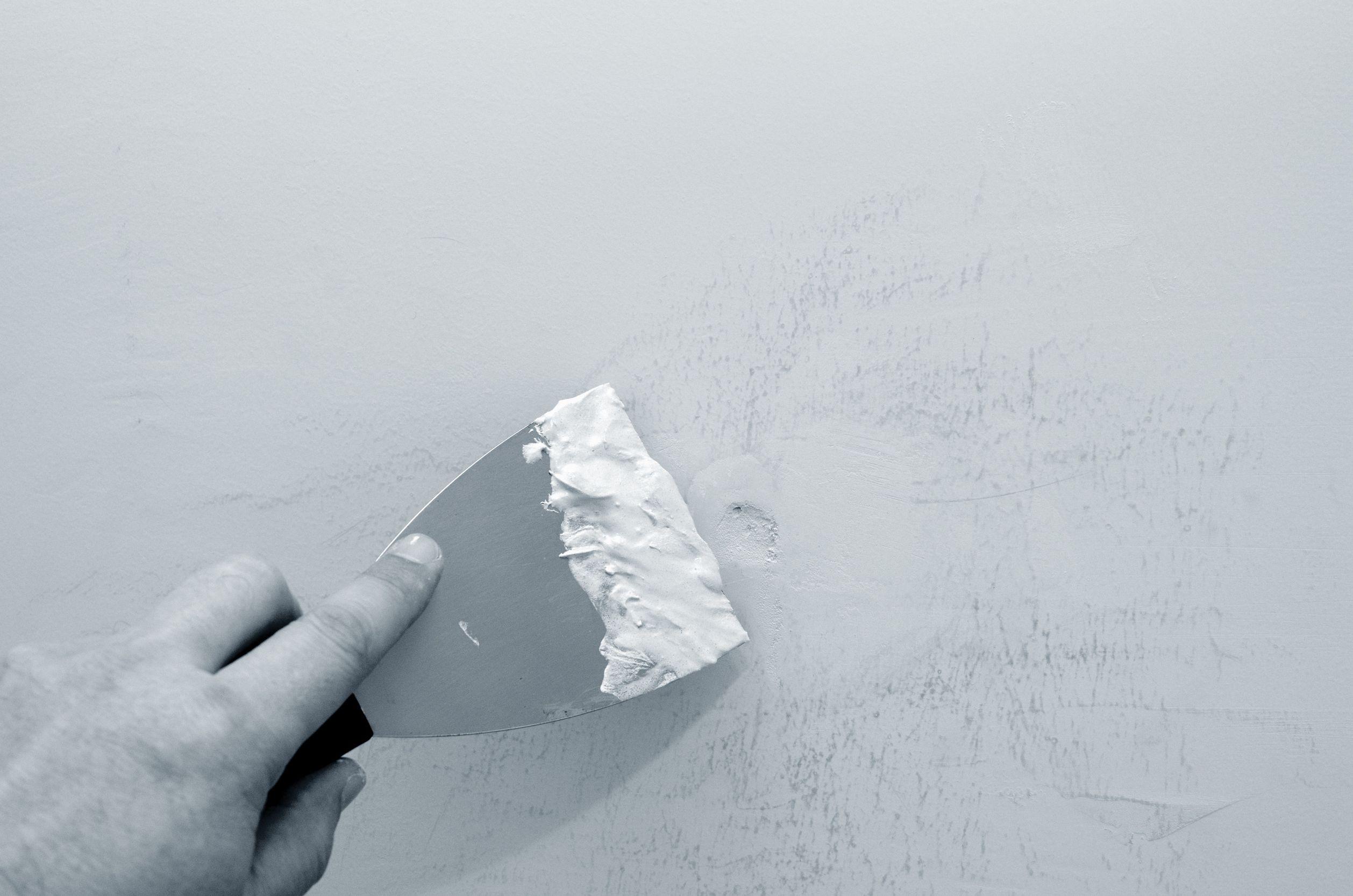 Diy Ways To Fill Nail Holes Make The Walls Look Good