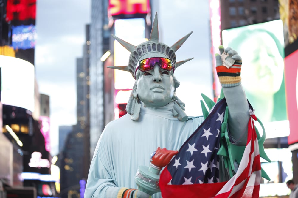 Moving to LA or NYC? Check Our Comparative Guide
