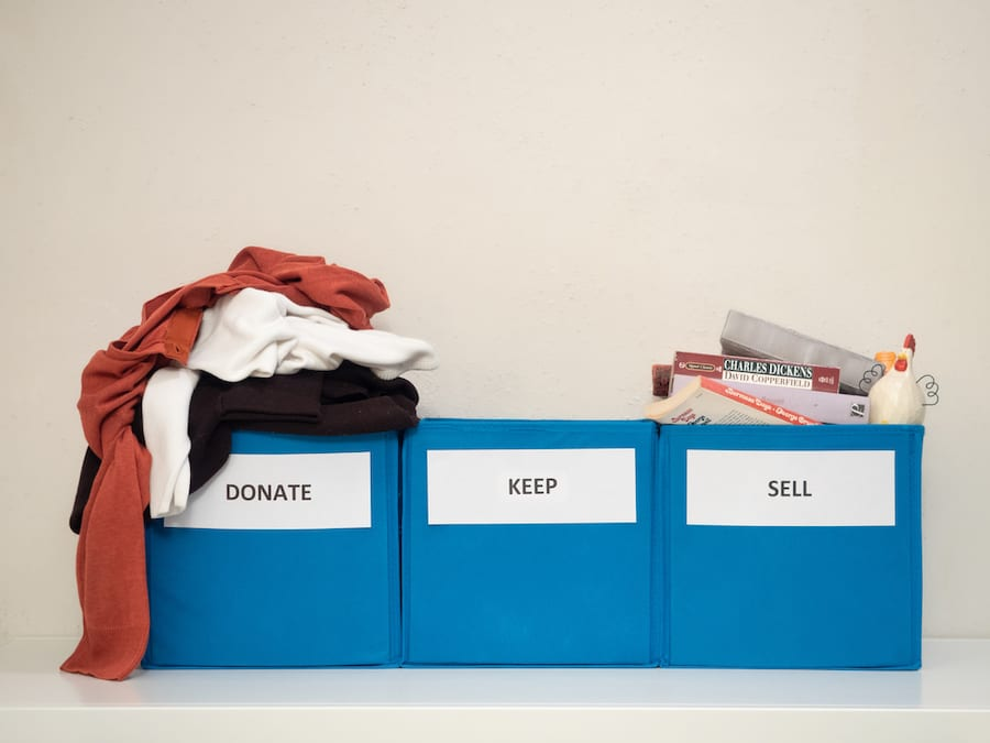 donate keep and sell boxes