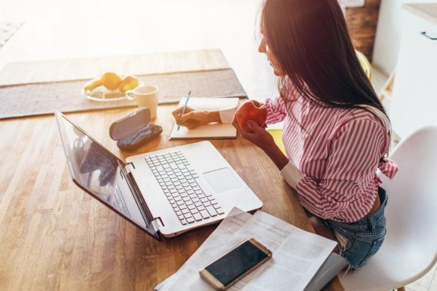 woman budgeting at the computer